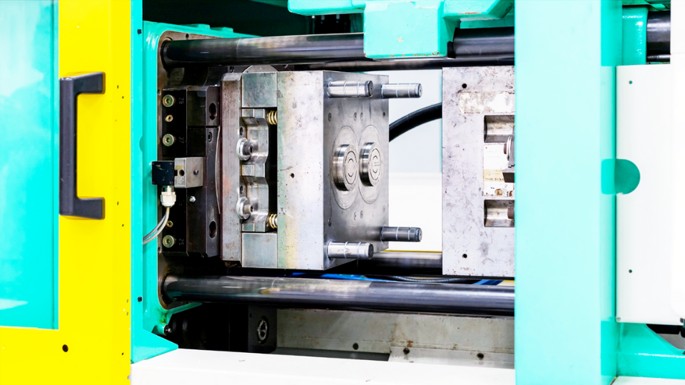 Advantages of Plastic Injection Molding - The most suitable option for manufacturing high volume plastic parts.